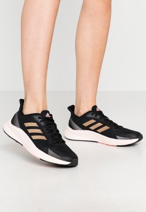 Baskets basses - core black/footwear white/pink tint