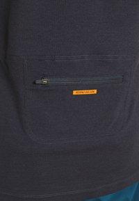 Mons Royale - CADENCE - T-shirt basic - iron - 6