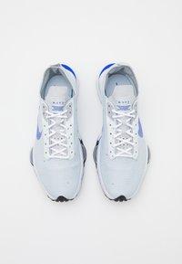 Nike Sportswear - AIR ZOOM TYPE - Sneakers - pure platinum/racer blue/wolf grey/black/white - 3