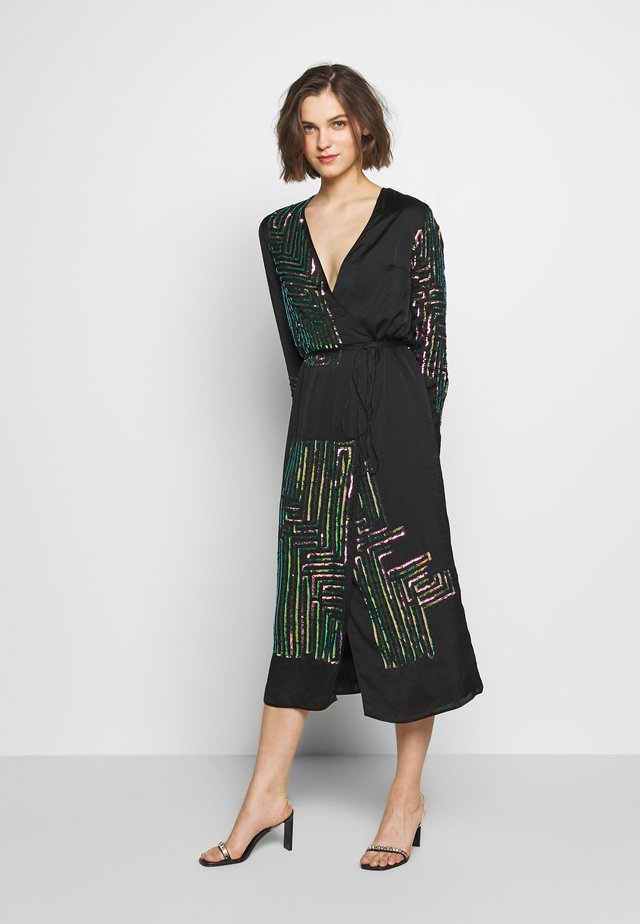 MAZE WRAP DRESS - Cocktailkjole - washed black/rose
