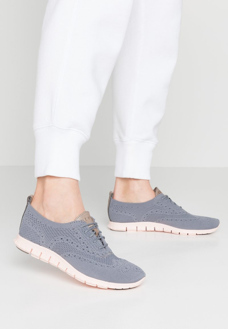 Cole Haan - ZEROGRAND STITCHLITE OXFORD - Sneaker low - ironstone/tropical peach