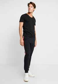 TOM TAILOR DENIM - 2 PACK - Basic T-shirt - black - 0