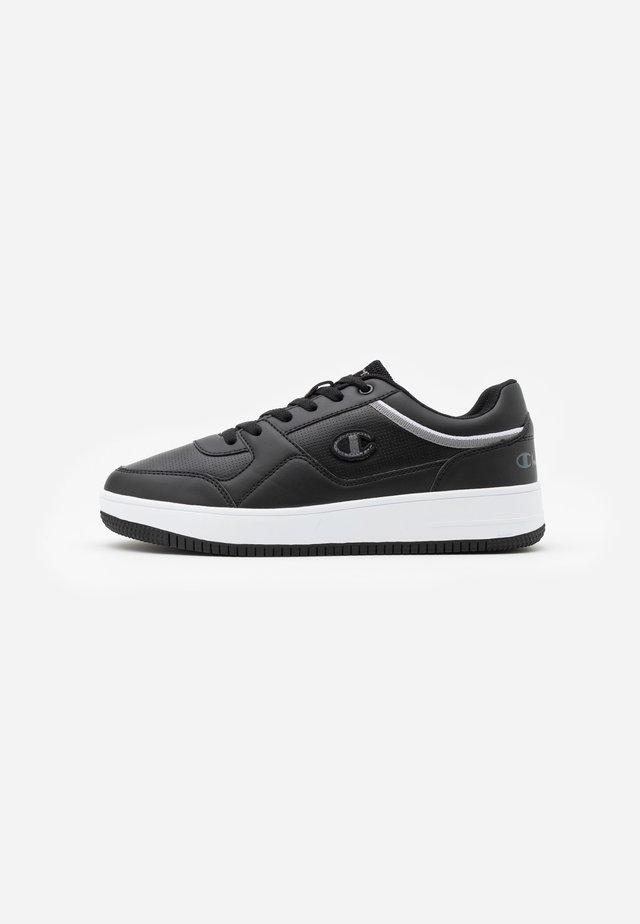 SHOE REBOUND - Chaussures de basket - new black