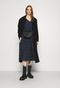YAS - YASCHIA  DRESS - Robe d'été - night sky/black check - 1