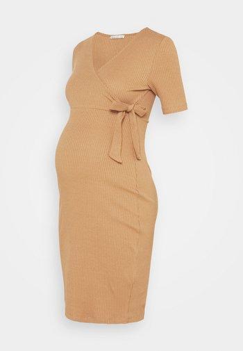Sukienka z dżerseju - brown
