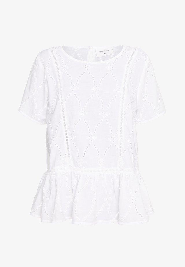 Pusero - brilliant white