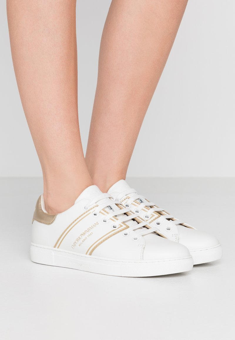 Emporio Armani - BELLA - Sneaker low - white/light gold