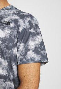 The North Face - PRINTED WANDER - Print T-shirt - vanadis grey - 5