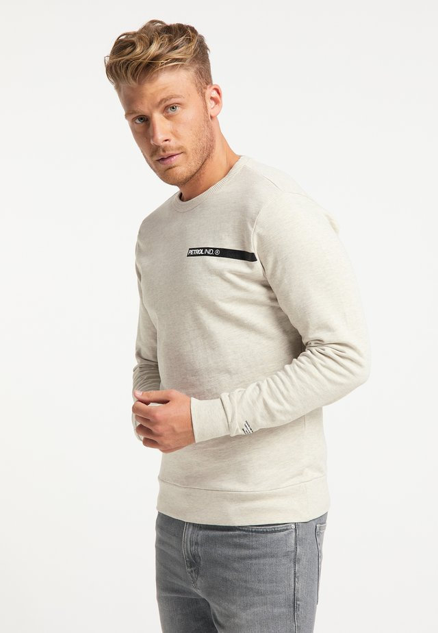Sweater - antique white melee
