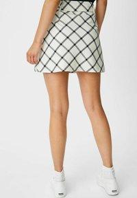 C&A - ARCHIVE - Mini skirt - white / black - 2