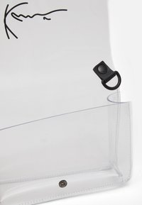 Karl Kani - SIGNATURE TAPE SMALL - Across body bag - transperent - 2