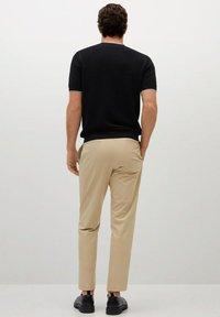 Mango - ROSS - Basic T-shirt - black - 2