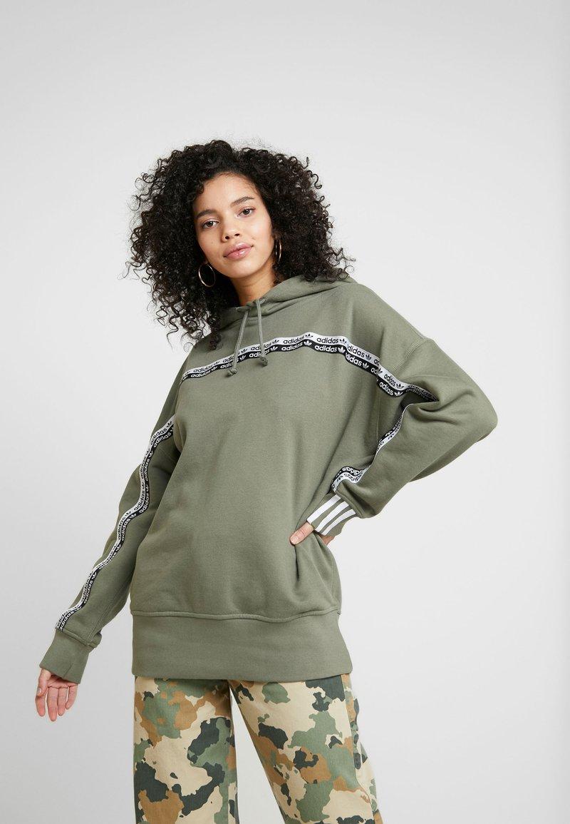 adidas Originals - R.Y.V. LOGO HODDIE SWEAT - Hoodie - legacy green