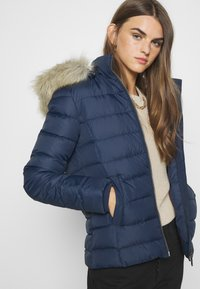 Tommy Jeans - BASIC - Chaqueta de plumas - twilight navy - 5