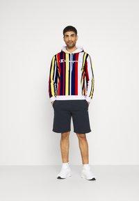 Champion - HOODED  - Sweatshirt - white/allover - 1