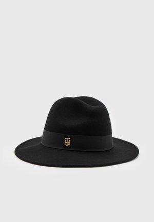 ELEVATED FEDORA - Hat - black