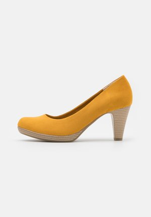COURT SHOE - Escarpins à plateforme - saffron
