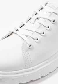 Dr. Martens - DANTE - Volnočasové šněrovací boty - white - 5