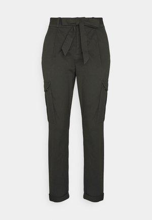 VMEVA PAPERBAG CARGO - Trousers - peat