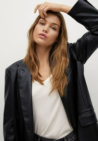 Mango - COMBI - Faux leather jacket - schwarz - 4