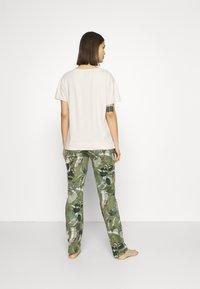 Triumph - Pyjama - sage green - 2