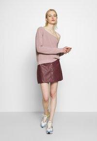 Even&Odd - BASIC-OFF SHOULDER - Sweter - rose - 1