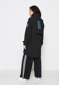 adidas Performance - MYSHELTER - Regnjakke / vandafvisende jakker - black/rairef - 3