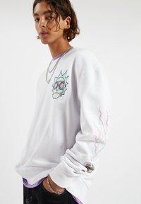 PULL&BEAR - Sweatshirt - white - 3