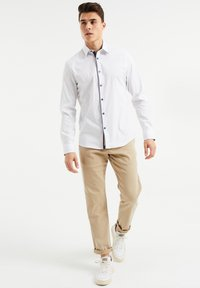 WE Fashion - SLIM FIT  - Overhemd - all-over print - 1