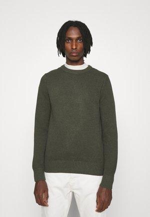 OLIVER - Stickad tröja - seaweed green