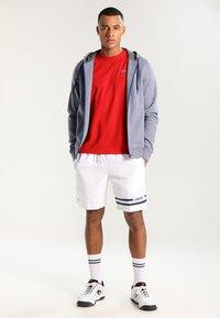 Lacoste Sport - HERREN - Basic T-shirt - red - 1