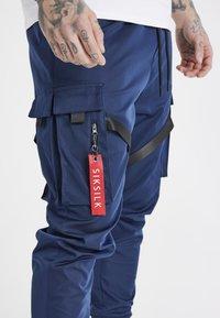 SIKSILK - COMBAT TECH CARGO PANTS - Pantalon cargo - navy - 6