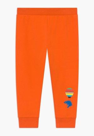 AZEDIN - Trousers - orangeade