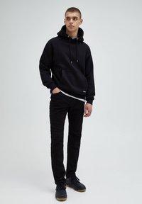 PULL&BEAR - Straight leg -farkut - black - 1