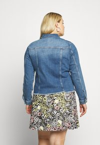 ZAY - YRIPPED JACKET - Denim jacket - light blue denim - 2