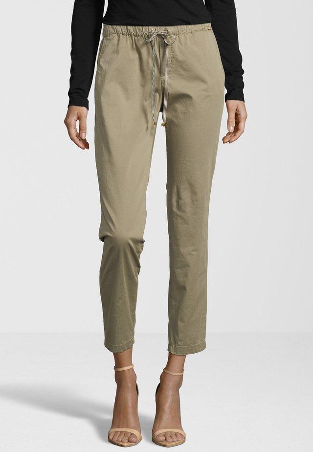 HOSE CISOFA - Trousers - schilf