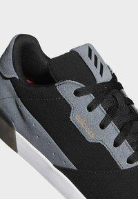 adidas Performance - ADICROSS RETRO SPIKELESS - Golf shoes - black - 6