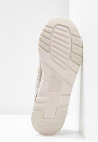 New Balance - Sneakers - grey - 6