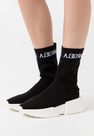 SOCK WITH LOGO - Sneakersy wysokie - black/white