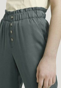 TOM TAILOR DENIM - Trousers - dusty pine green - 4