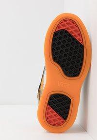 Vans - BRUX  - Skate shoes - black/drizzle - 4