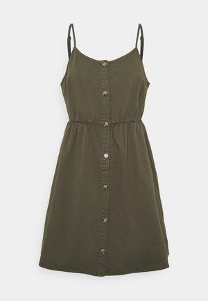 VMFLICKA STRAP SHORT DRESS COLOR - Vestido vaquero - ivy green