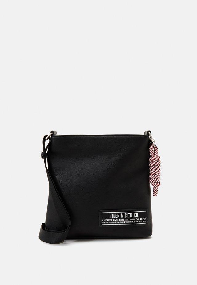 LEVINA - Across body bag - black