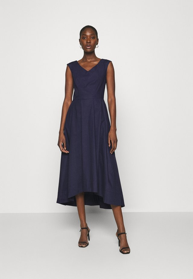 HIGH LOW PLEATED DRESS - Cocktailklänning - navy