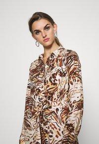 Object - OBJEMERSON DRESS   - Shirt dress - sandshell/vild - 3
