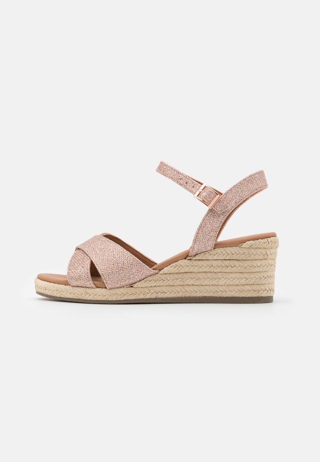 WIDE FIT PRAWN - Espadrilky - rose gold