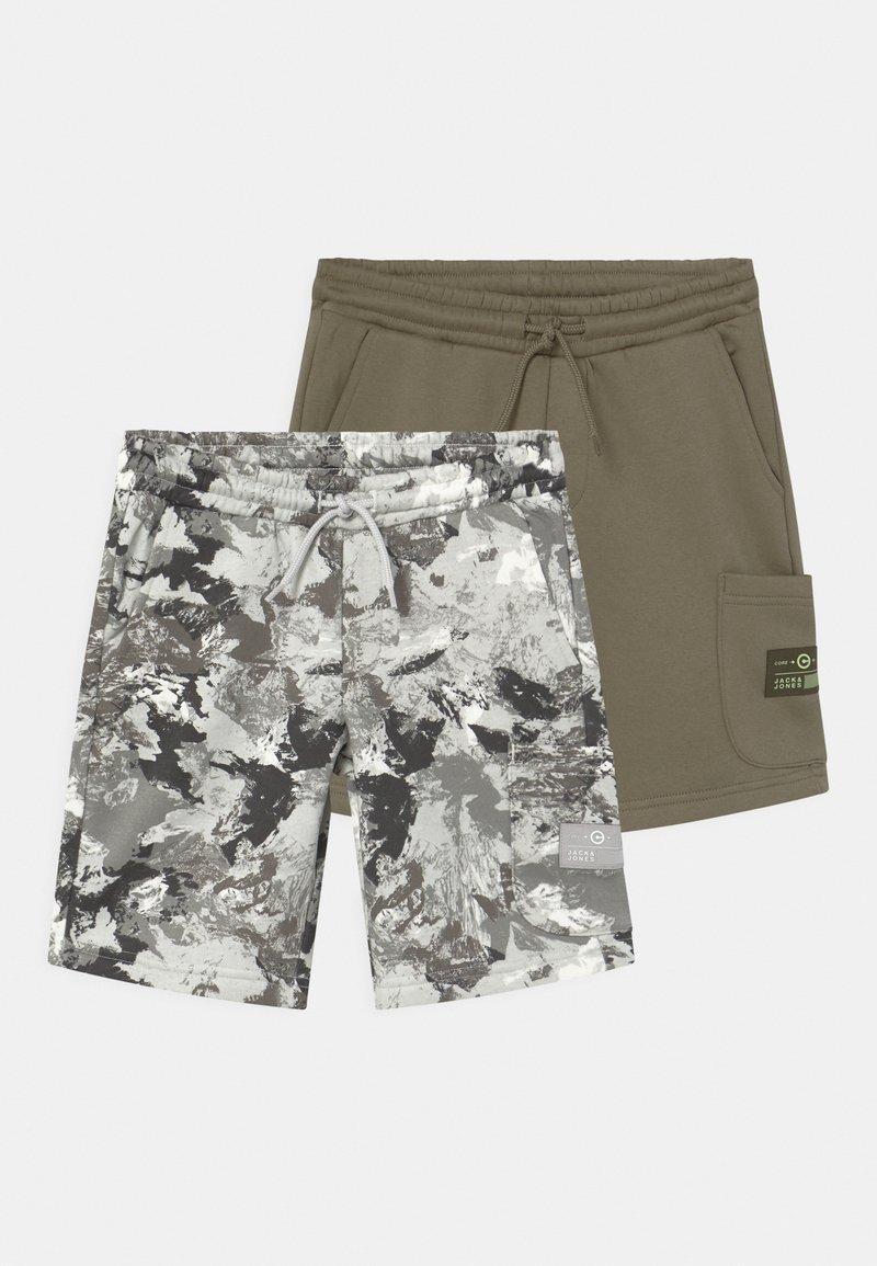 Jack & Jones Junior - JJISTONE 2 PACK - Shorts - deep lichen green