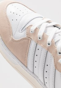 adidas Originals - RIVALRY - Trainers - footwear white/offwhite - 5