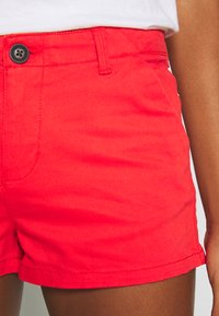 Superdry - HOT - Shorts - apple red - 4