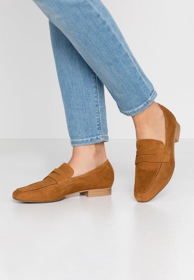 Scarpe senza lacci - camel
